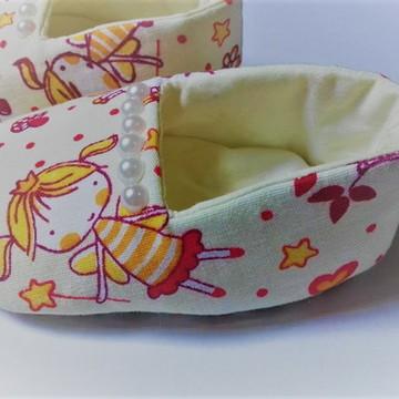 Sapato de bebê em tecido - Coroa de Princesa