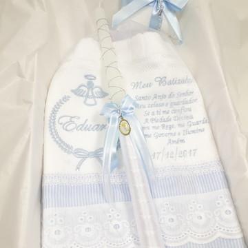 Kit Batizado Toalha Bordada e Vela Decorada Azul Claro