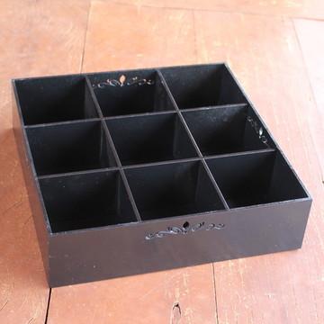 Bandeja/caixa grande com divisória - MDF pintada