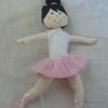 Boneca Bailarina dando salto