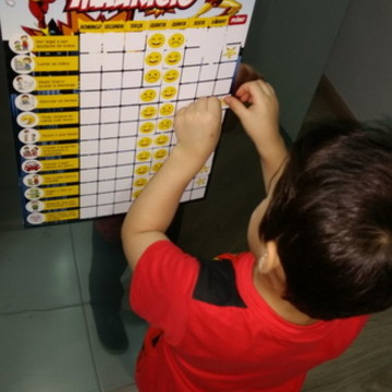 Quadro de tarefas/incentivo Super Nanny imantado p/ crianças