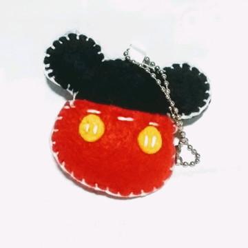 Chaveiro Mickey em feltro