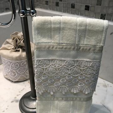 Toalha de lavabo BEGE claro com Guipir