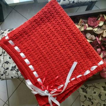 Manta em crochê para bebês vermelha