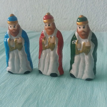 Os 3 Reis magos miniatura em biscuit