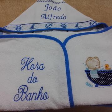 TOALHA DE BANHO COM CAPUZ E FRALDA