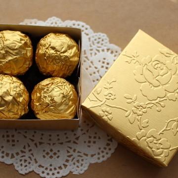 200 Caixa dourada para doces ou bem casado 3x7x7 cm