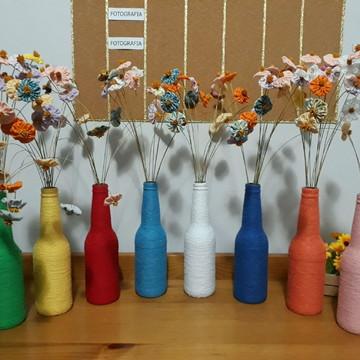 Garrafa e Flores de Fuxico