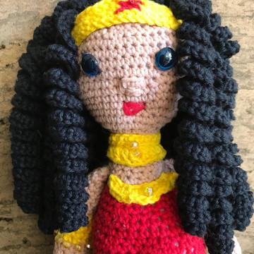 Mulher Maravilha de crochê (wonder woman)
