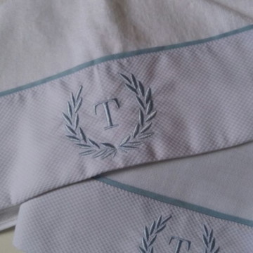 Toalha capuz forrada + toalha fralda