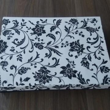 Caixa Floral preto e branco