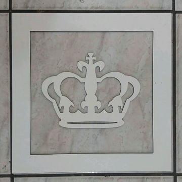 Moldura com coroa MDF branco
