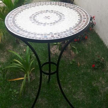 Mesa alta bistrô em mosaico