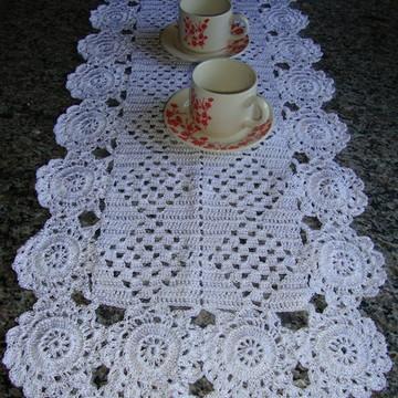 Caminho de mesa em crochê