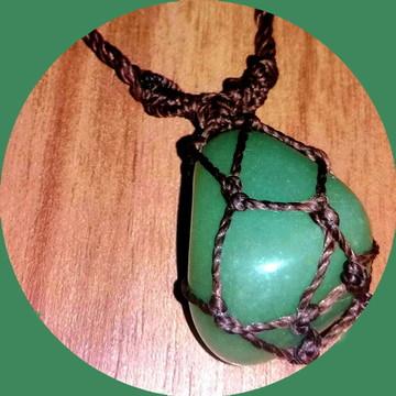 Colar Hippie Regulável Com Pedra Quartzo Verde+ Brinde