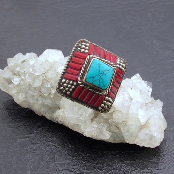 Anel Tribal Chic Banho Prata Pirâmide Mosaico Coral Turquesa