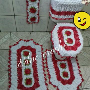 Jogo de banheiro em crochê com 5 pecas vermelho com branco