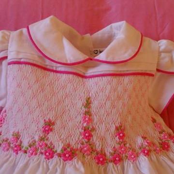 vestido bordado colorido