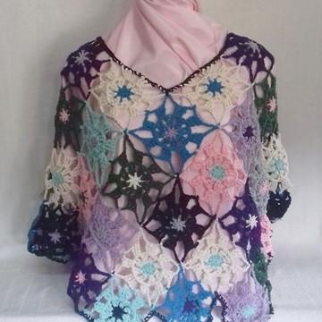 Mini Poncho de Crochê. Multicolorido (linha de algodão).