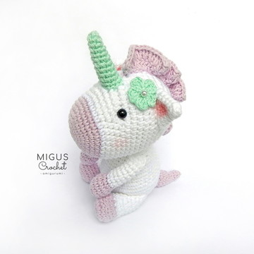 Unicornio de crochê (Lilás)