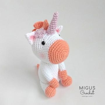 Unicornio de crochê (Salmão)
