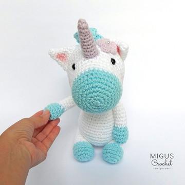 Unicornio de crochê (Azul)