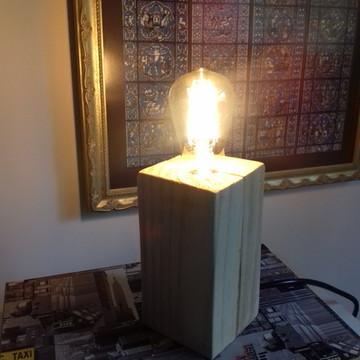 Luminária de Mesa c/ Lâmpada LED