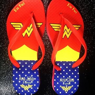 Chinelo personalizado Mulher Maravilha e Super Man