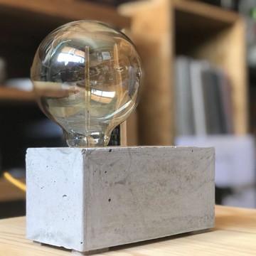 Luminária de Concreto Paralelepípedo