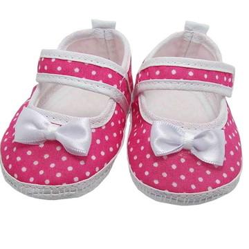 Sapatinho de Bebê Branco e Pink Poá