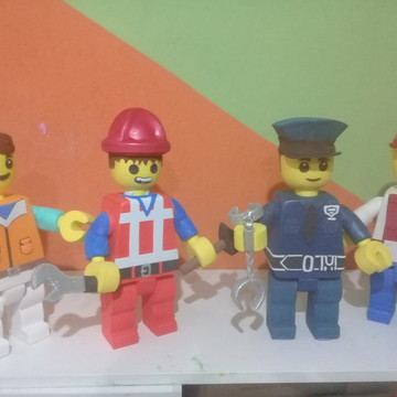 kit lego policial/ construtor/ rapazes normais + 2 cabeças