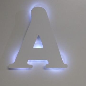 Letra inicial com luz de led luminaria parede quarto de bebe