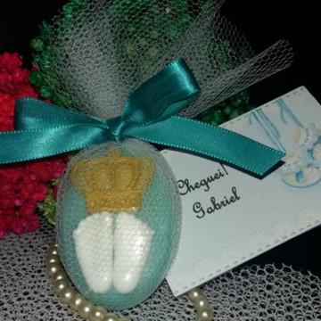 Lembrancinha Mini Sabonete Pezinhos de Bebê com Coroa
