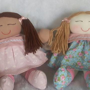 boneca de pano para quarto de bebê