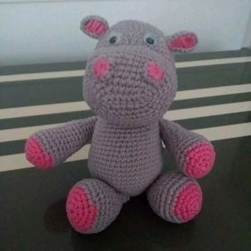 Hipopótamo pequeno de amigurumi
