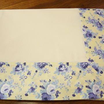 Toalha de mesa retangular creme com barrado florido