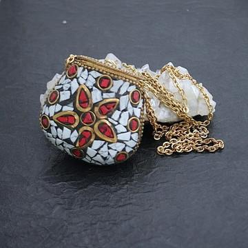 Colar Bolsinha Mosaico Coral Howlita