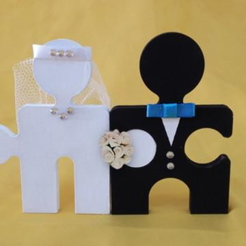 Topo de bolo de casamento noivinhos quebra cabeça em mdf