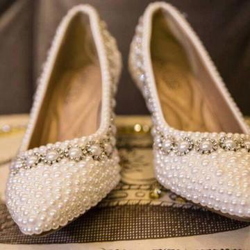 9bcf2db82f Sapato Customizado em pérolas e strass