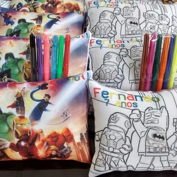 ALMOFADA PINTE E LAVE LEGO HEROIS + 6 CANETINHAS