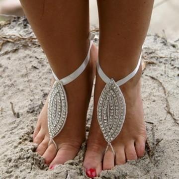 Sandália descalça bordada strass