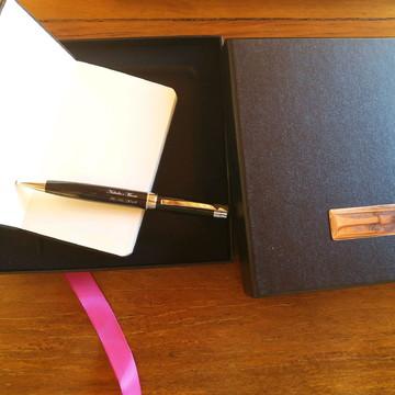 Kit caderneta em caixa presente personalizados 889