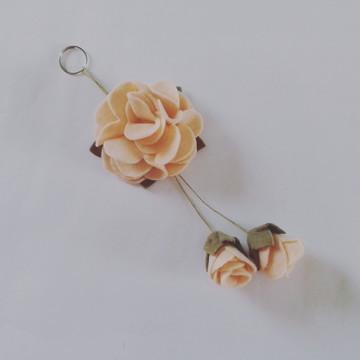 Chaveiro de Flor de Feltro – Nude 2