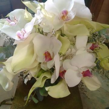 Buquê de Flor Natural Callas e Orquídea