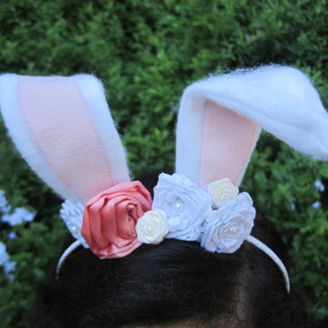 Tiara orelha de coelho