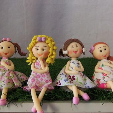 Bonecas em Biscuit com vestido de Pano