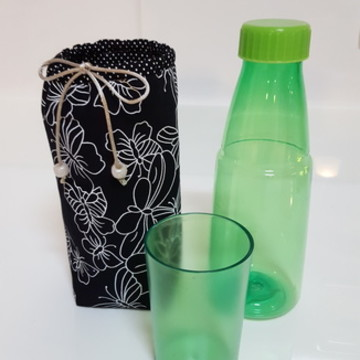 Kit Porta garrafa borboleta + garrafa de acrílico com copo