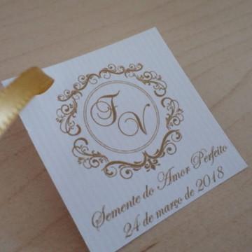 Tag personalizada com monograma dos noivos