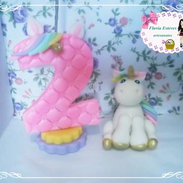 topo de bolo com vela unicornio