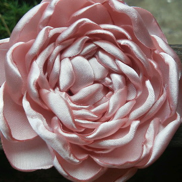 Flor para cabelo Isabel rosa chá